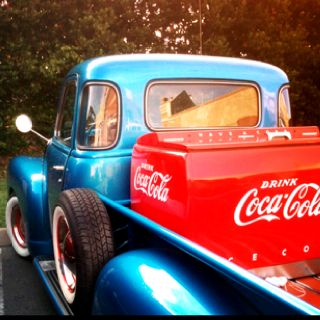 Old Pickup & Coca Cola Cooler! That's a high 5, 5 stars***** & 5 hearts♥♥♥♥♥