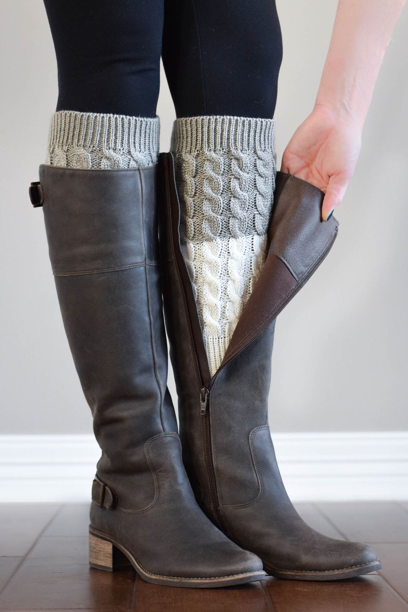 Light Grey and Ivory Reversible Knitted Boot Cuffs | Tejido ...
