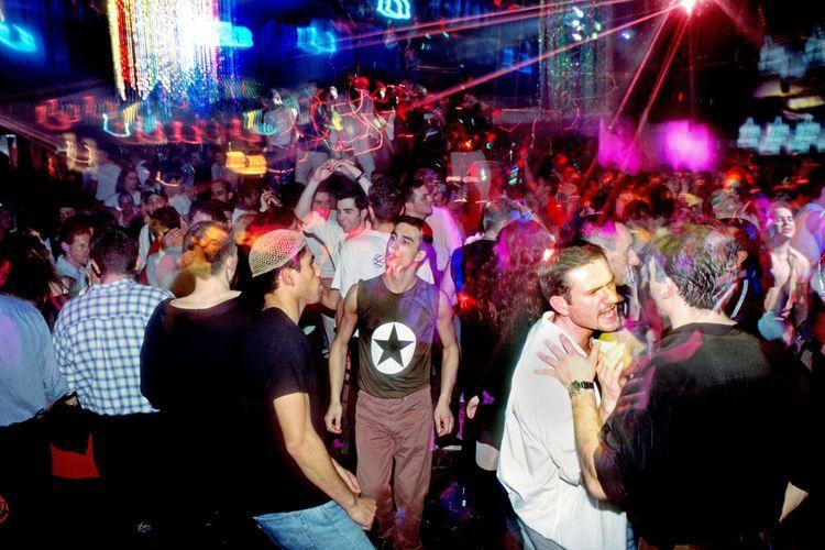 Party inn club
