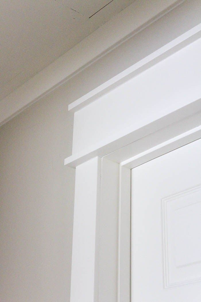 Diy farmhouse style trim farmhouse style benjamin moore for Contemporary trim moulding