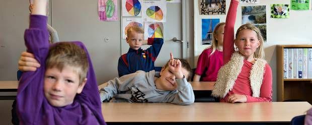 #specialskoler #gifted #dansk Kloge børn søger mod specialskoler AF BERIT ERTMANN  Folkeskolen opfylder ikke de mest intelligente børns behov, og ventelisterne til specia...