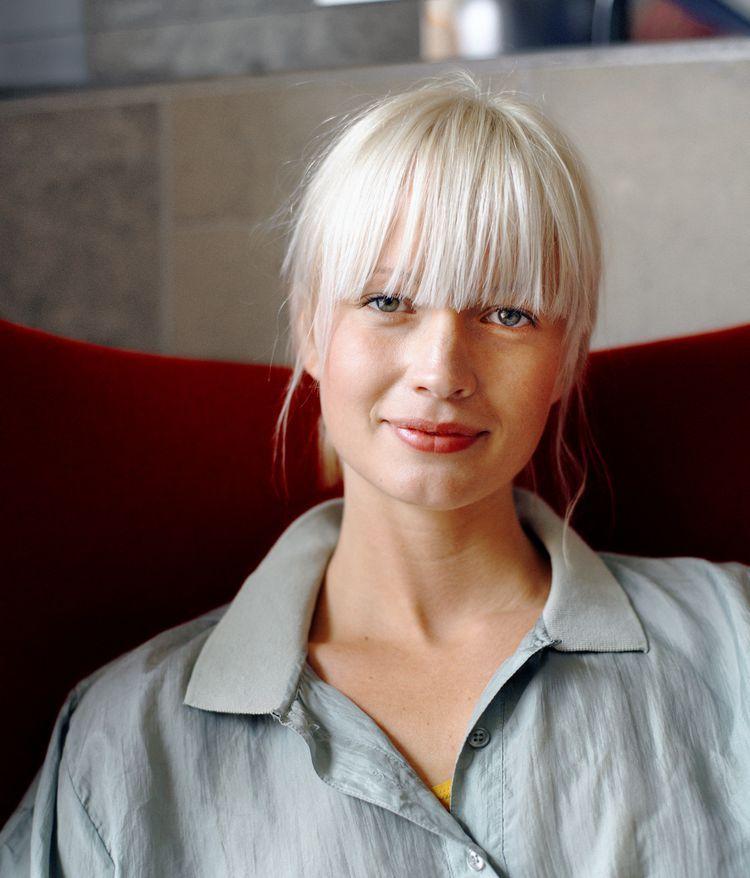8 Beauty Secrets Scandinavian Women Know That You Don T Full Fringe Hairstyles Beauty Secrets Fringe Hairstyles