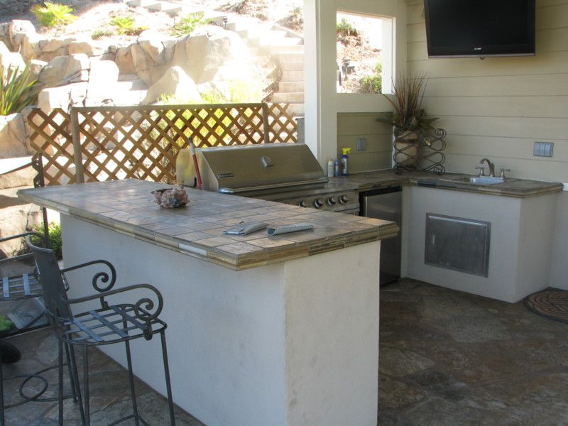 Quartzite Tiles And Stucco Finish This Bbq Counter Bar Stucco Finishes Outdoor Patio Patio