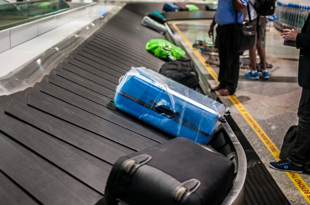 Warum es sinnvoll sein kann, den Koffer in Folie zu