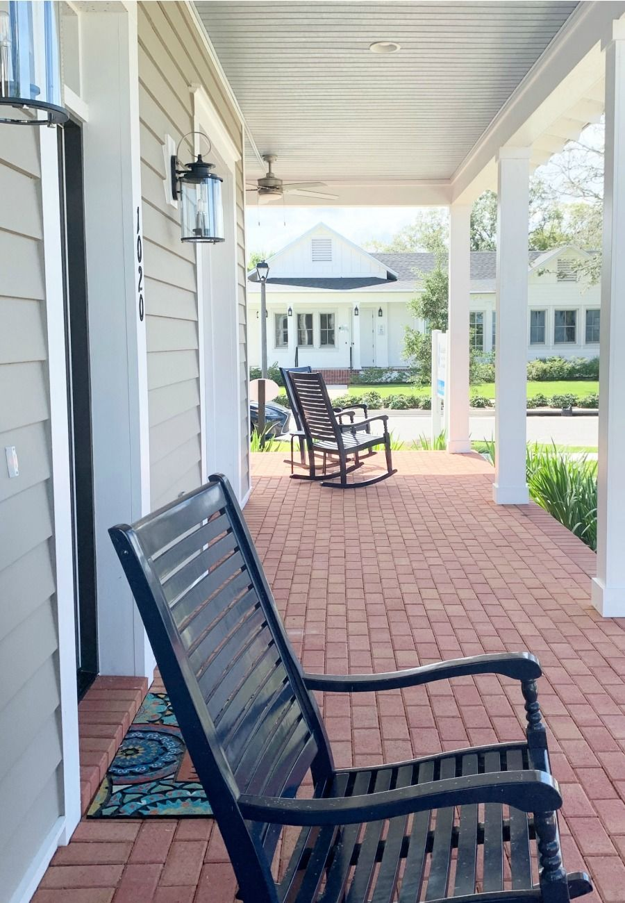 Front Porch Ideas Decor And Design ideas - Inspire your welcome with Farmhouse decor in Winter Garden, Fl | Contact me to learn how you can live the outdoor life in Orlando!  #porchdecor #realestate #farmhouse