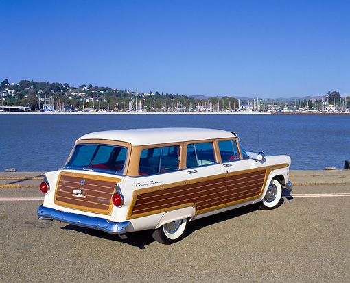 1955 Ford Woody Wagon My Family Had One Of These But I Think I Was Too Young To Remember It My Siste Classic Cars Trucks Station Wagon Station Wagon Cars