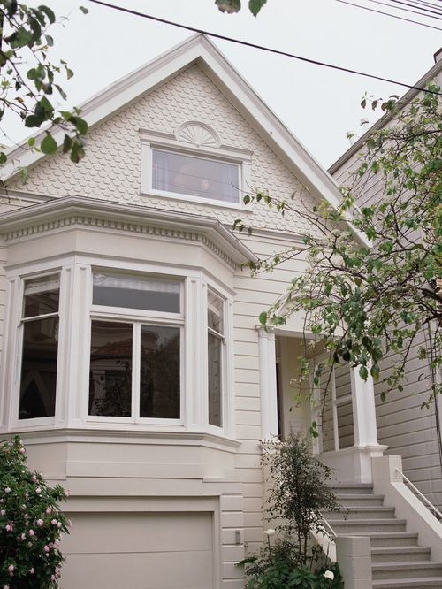 Bay window exterior trim ideas google search bungalow - Exterior window trim ideas pictures ...