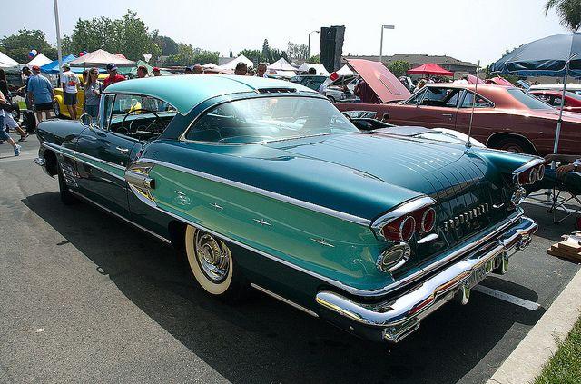 1958 Pontiac Bonneville 2 Dr HT Turquoise Over Dark Blue Green