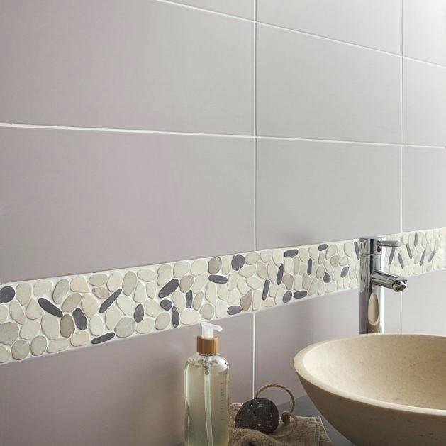 carrelage-salle-de-bain-galet-galets-sol-et-mur-riviera-prune-leroy - image carrelage salle de bain