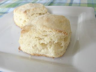 The Royal Cook: Ruth's Diner Mile High Biscuits