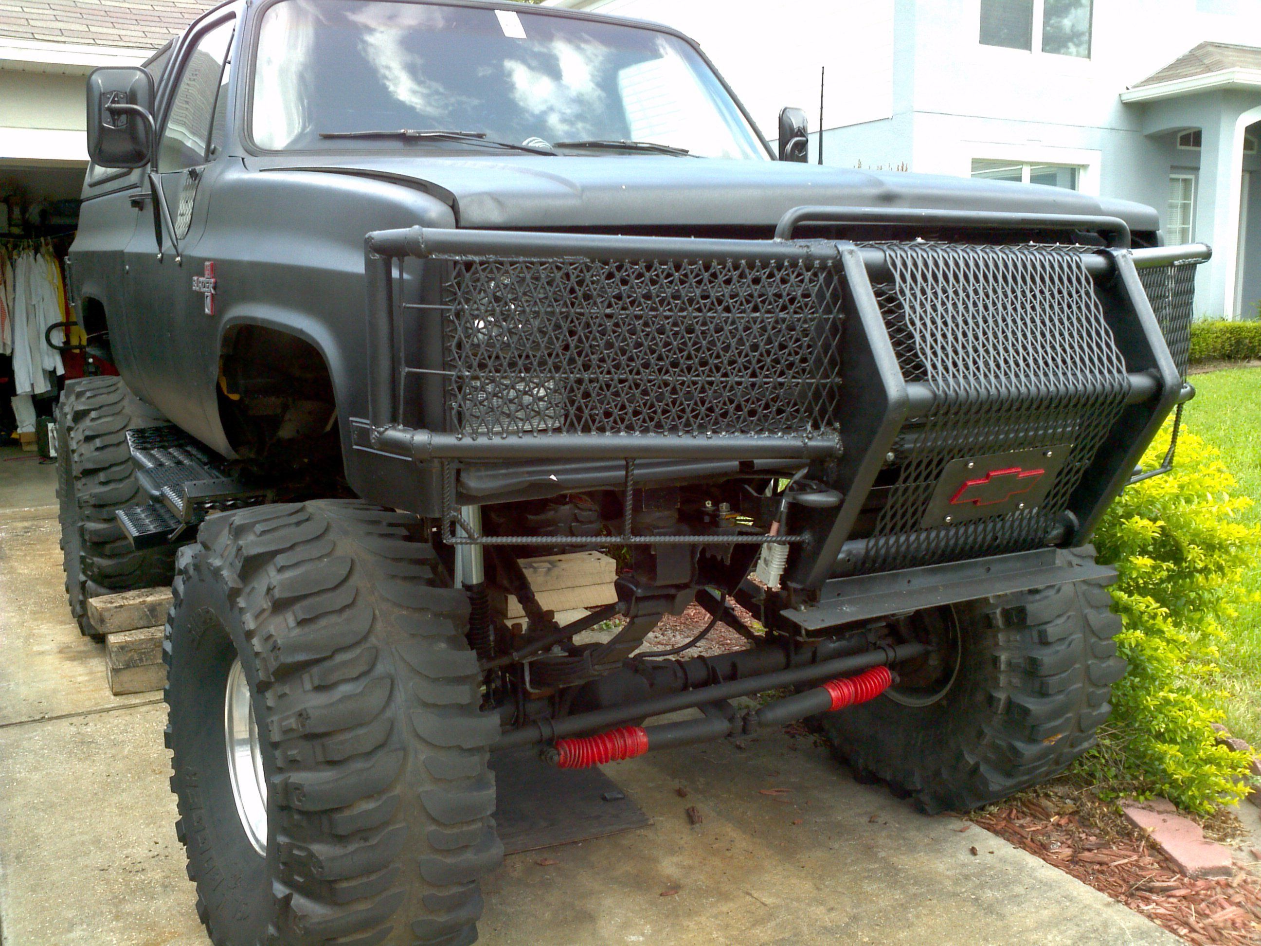 1987 K5 Blazer 3 4 Ton Axles And 44 Boggers Lifted Chevy K5 Blazer Lifted Chevy Trucks