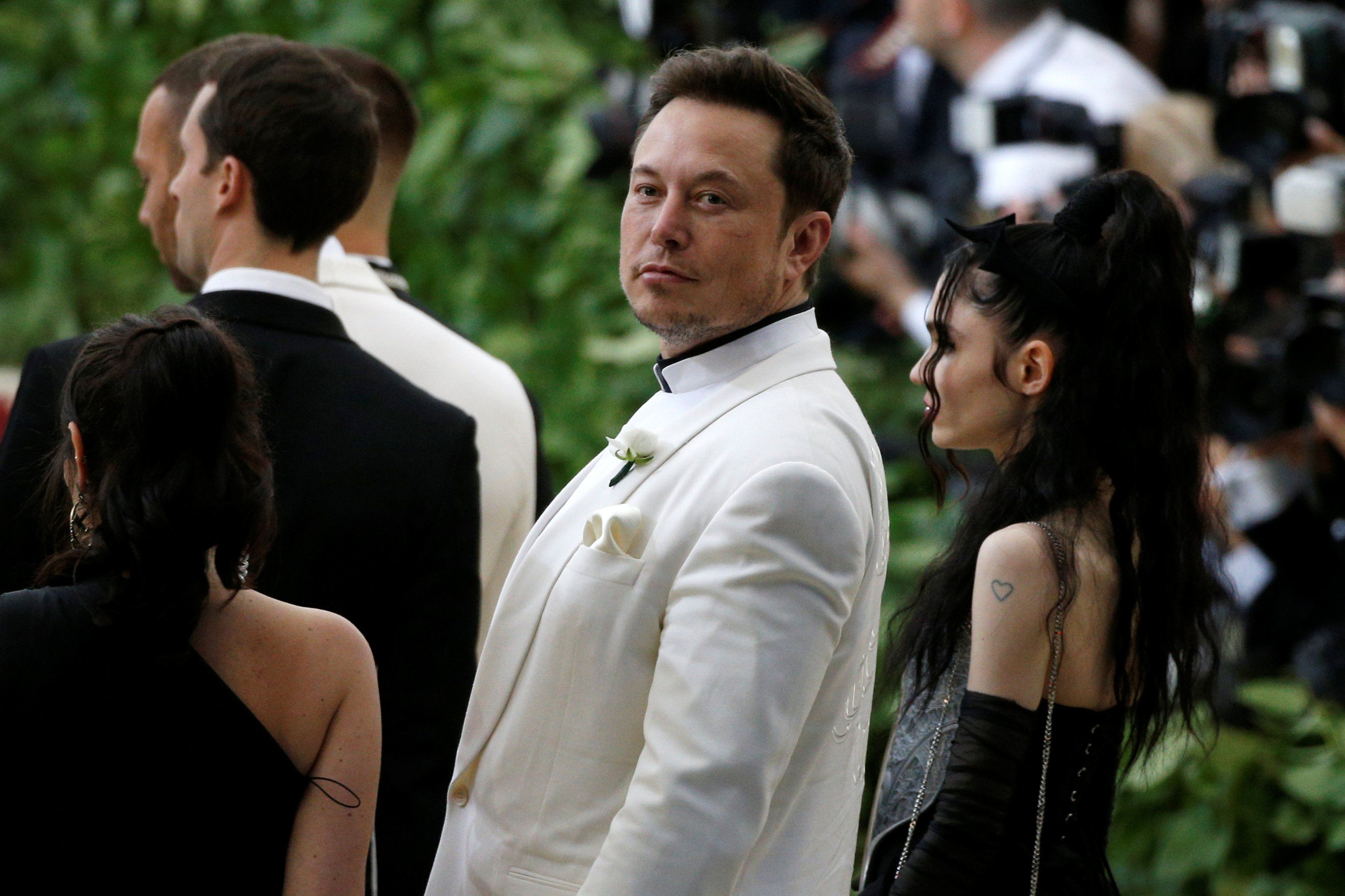Elon Musk S Net Worth Just Soared To An All Time High After He Tweeted Tesla Could Go Private Elon Musk Elon