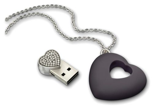 USB Necklace #wearable #gadgets #tech