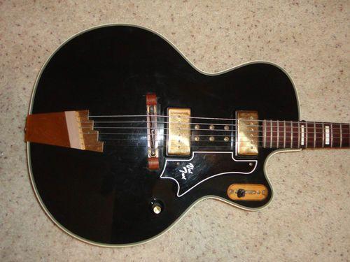 Vintage 1959 SUPRO Val Trol Valtrol Electric Guitar.