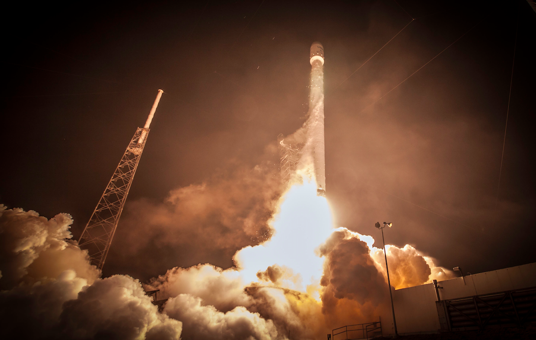 SpaceX Photos Are Now Available Under a Creative Commons License | Motherboard