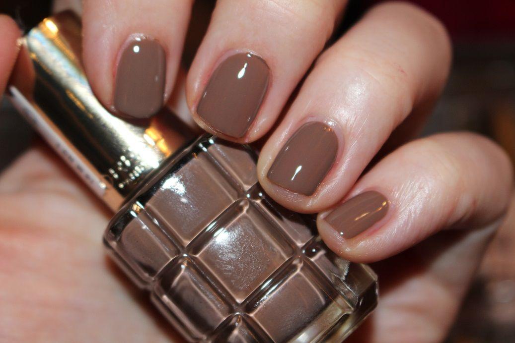 loreal-paris-color-riche-lhuile-nail-varnish-swatch-662-moka-chic ...