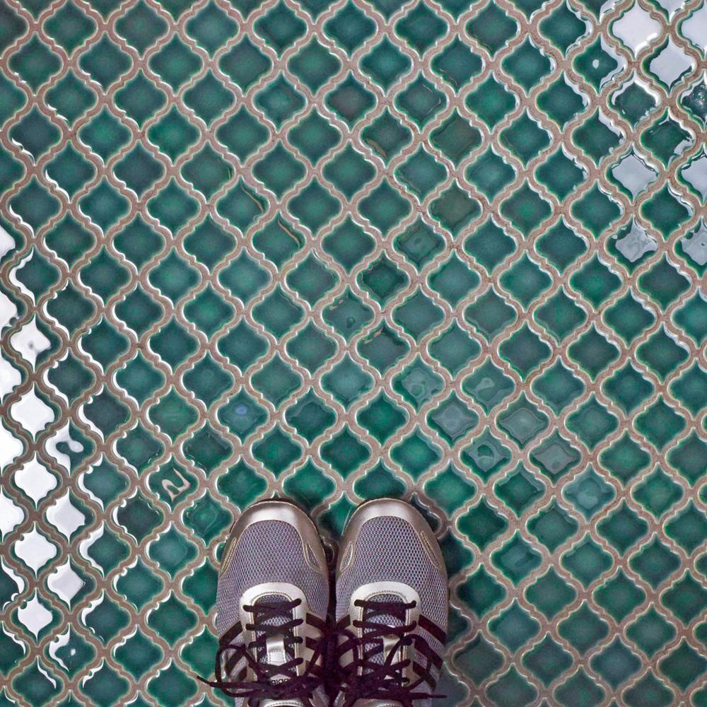 Merola Tile Hudson Tangier Emerald 12 3 8 In X 12 1 2 In X 5 Mm Porcelain Mosaic Tile Fkoltr30 The H Porcelain Mosaic Mosaic Flooring Porcelain Mosaic Tile