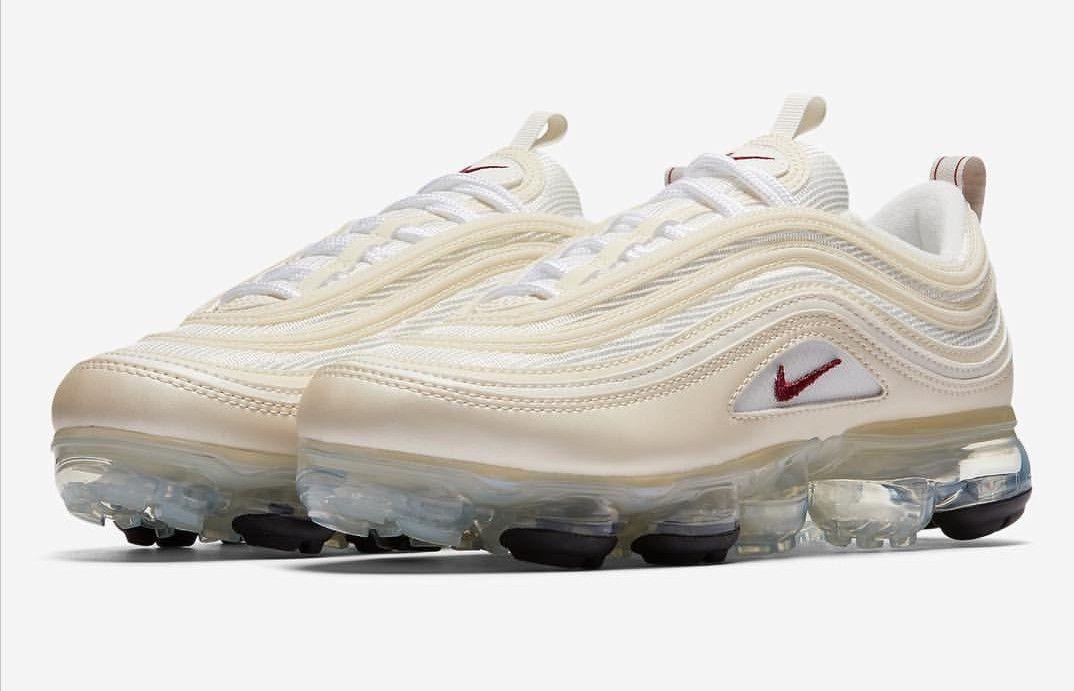 ecb6e4b53716 Nike Vapourmax