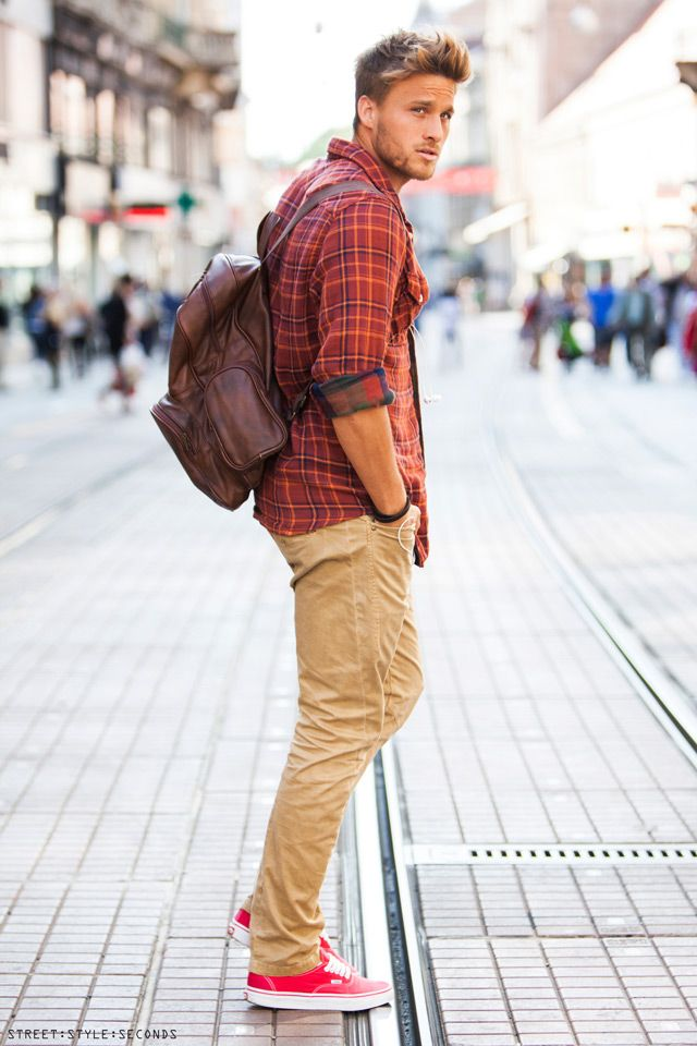 #Camisa #xadrez, um clássico do closet #masculino! #modamasculina #mensfashion…