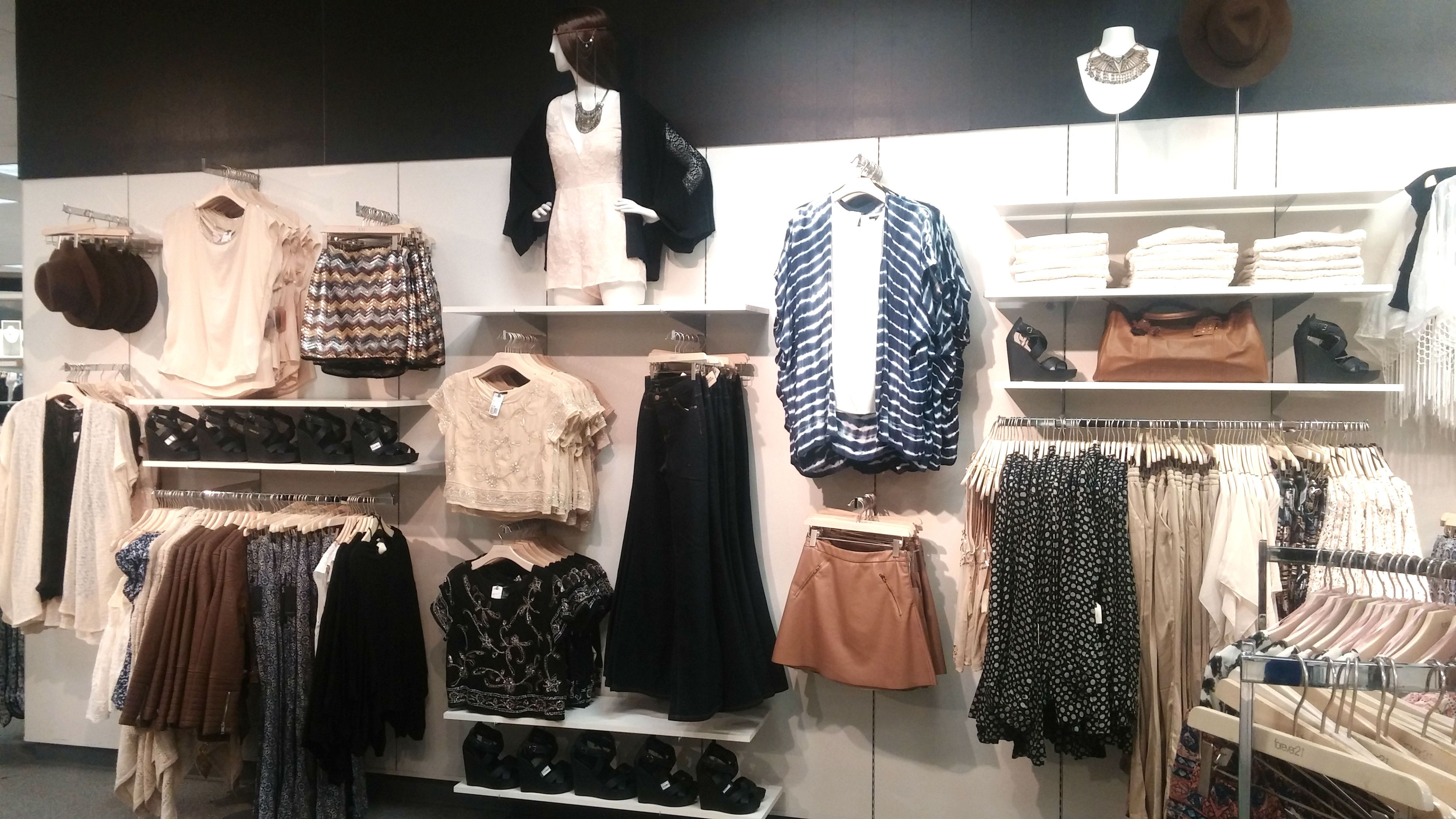 My merchandising for Forever 21: Boho wall   Retail ...