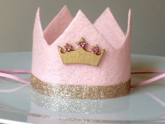 Felt crown Mini pink crown gold felt crown by babyyourbabyboutique #feltcrown Felt crown Mini pink crown gold felt crown by babyyourbabyboutique #feltcrown