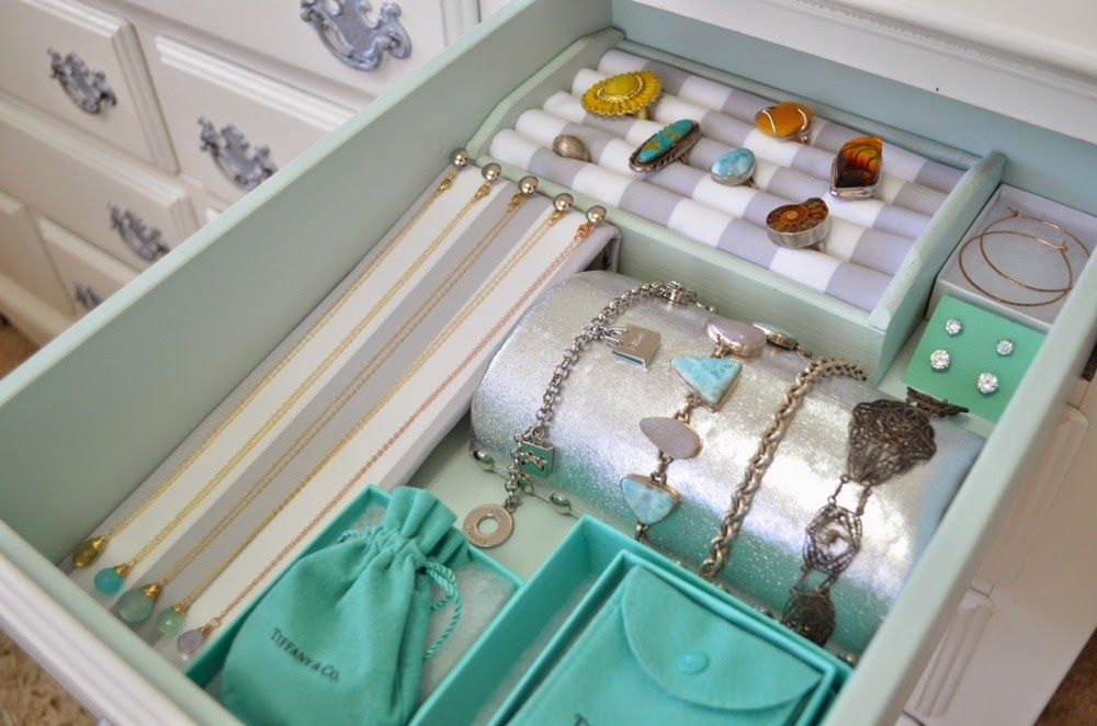 How to make your own jewelry organizers PINK SO FOXY Pinterest