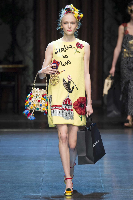 Dolce   Gabbana Spring 2016 Ready-to-Wear Fashion Show  9e3b49b18a2