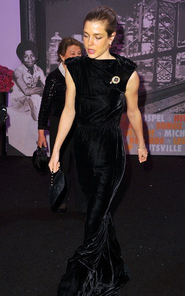 charlotte casiraghi rose ball 2011 - Buscar con Google
