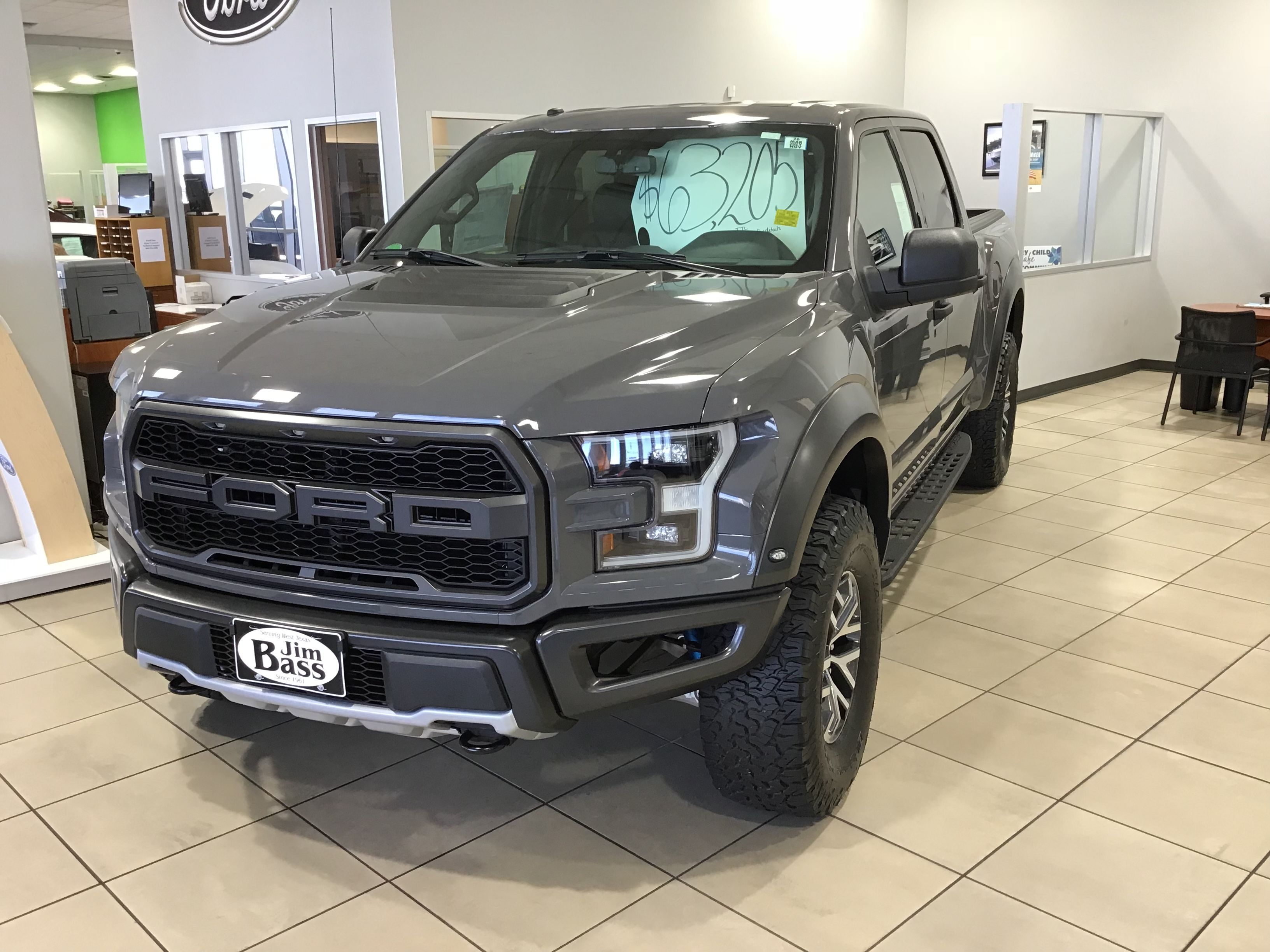 Check Out This Beautiful Ford Raptor Ford Raptor Ford Trucks