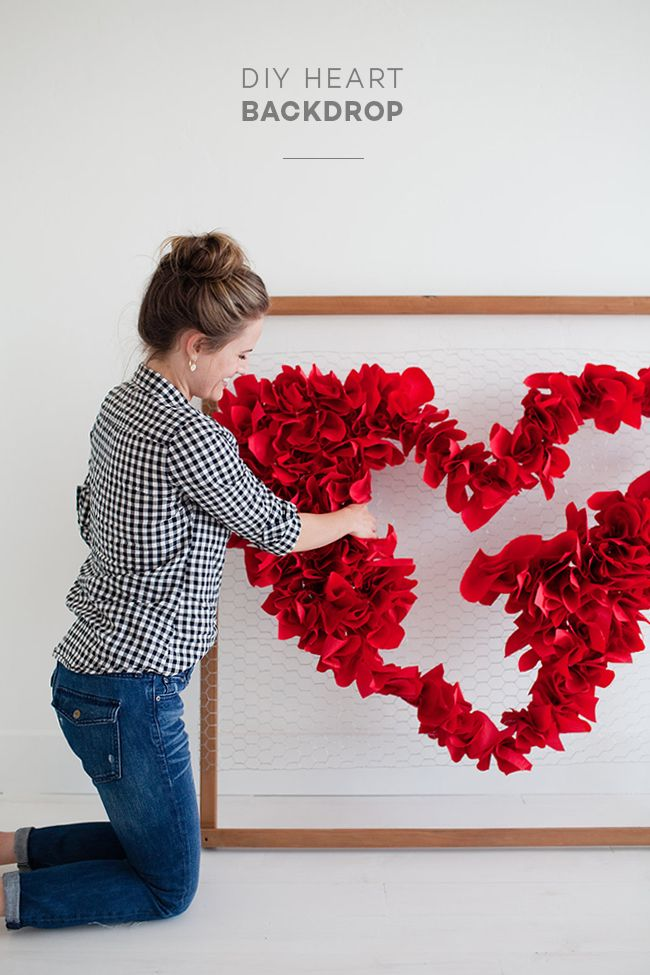 little peanut magazine diy heart backdrop perfect for valentine s rh pinterest com