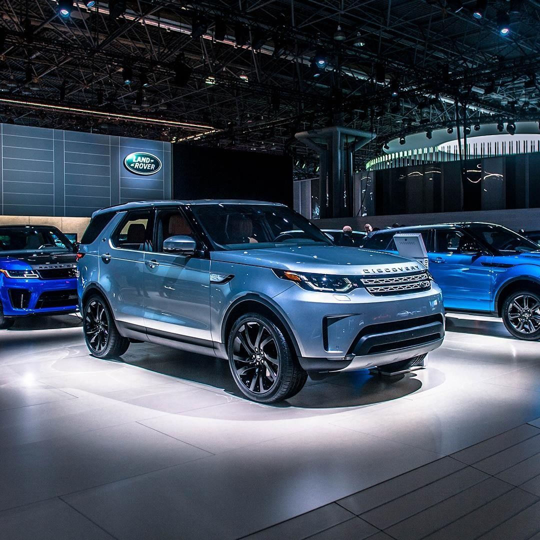 The 2018 Land Rover Discovery • fourwheelermag's 2018 SUV