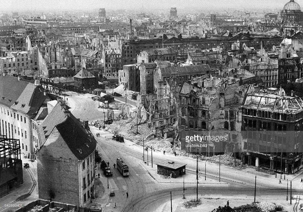 deutschland berlin blick vom alten stadthaus auf die zerst rten berlin leipziger stra e. Black Bedroom Furniture Sets. Home Design Ideas