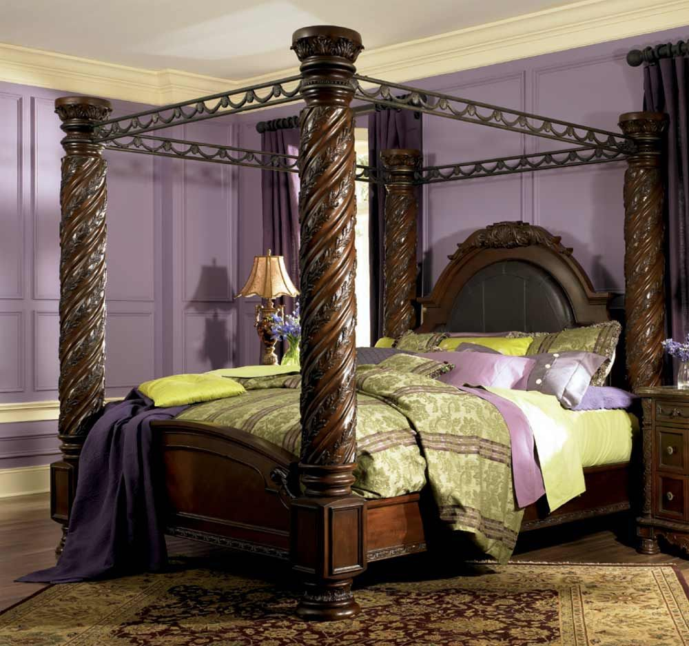 Elegant King Size Canopy Bed with Curtains