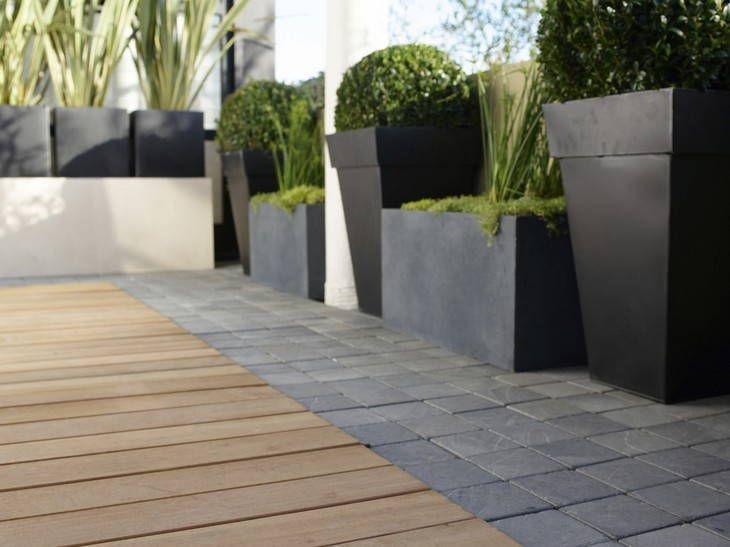 Terrasse en pierres naturelles (Ardoise) et bois (Mélèze) Ribiollet
