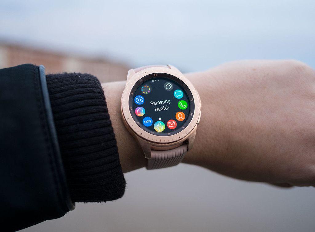 Swatch Demanda A Samsung Por Las Esferas Clonadas De Sus Relojes En La Galaxy Apps Store Samsung Smart Watch Smart Watch Samsung Watches