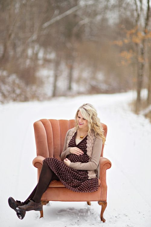 winter maternity, love this! Chair | Maternity/newborn photoshoot ...