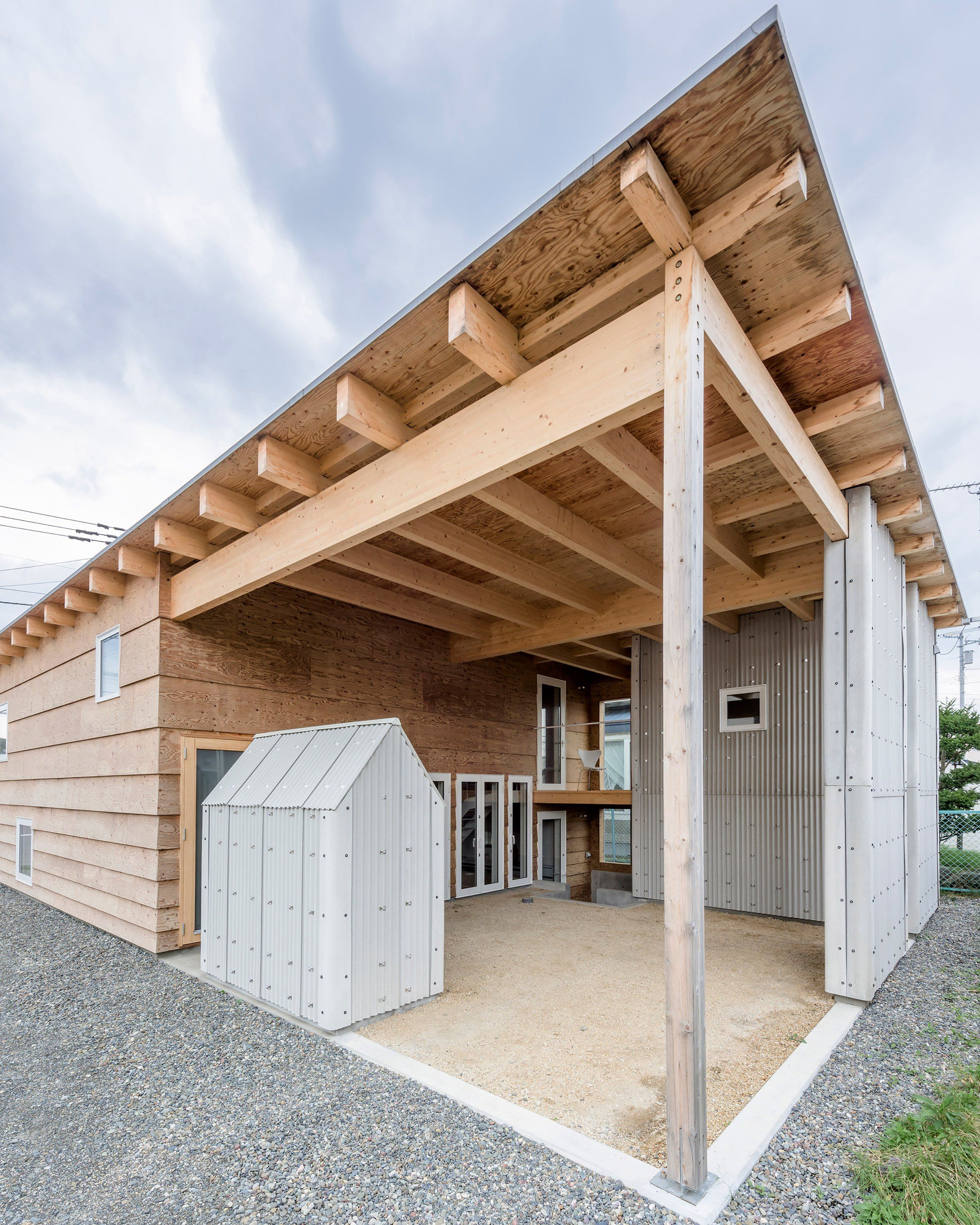 Jun Igarashi Architects have devised an ingenious solution for