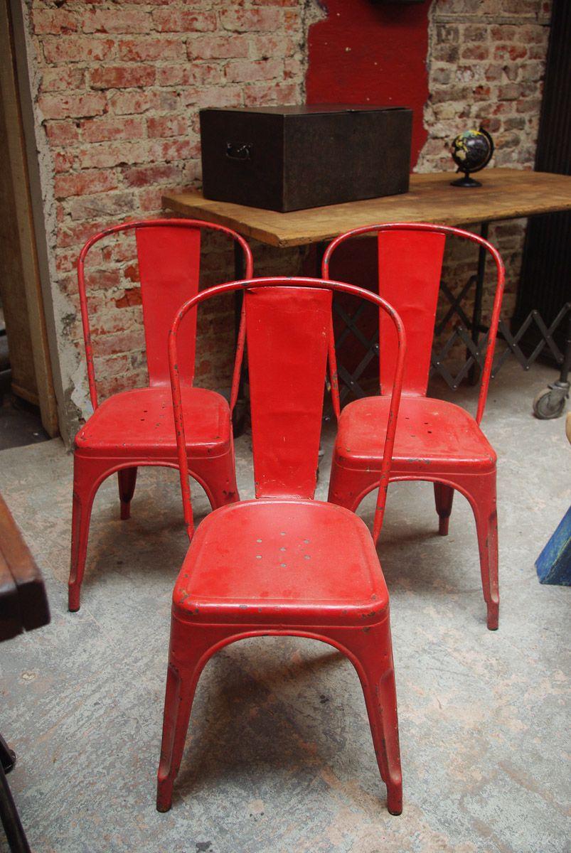 Chaises tolix mod le a de couleur rouge inspiring design for Chaises cuisine couleur