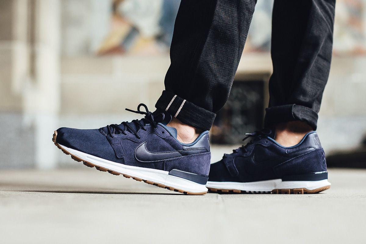 "the latest dced1 20fad ... Nike Air Berwuda Premium ""ObsidianSquadron Blue"" - EU Kicks Sneaker  Magazine ..."