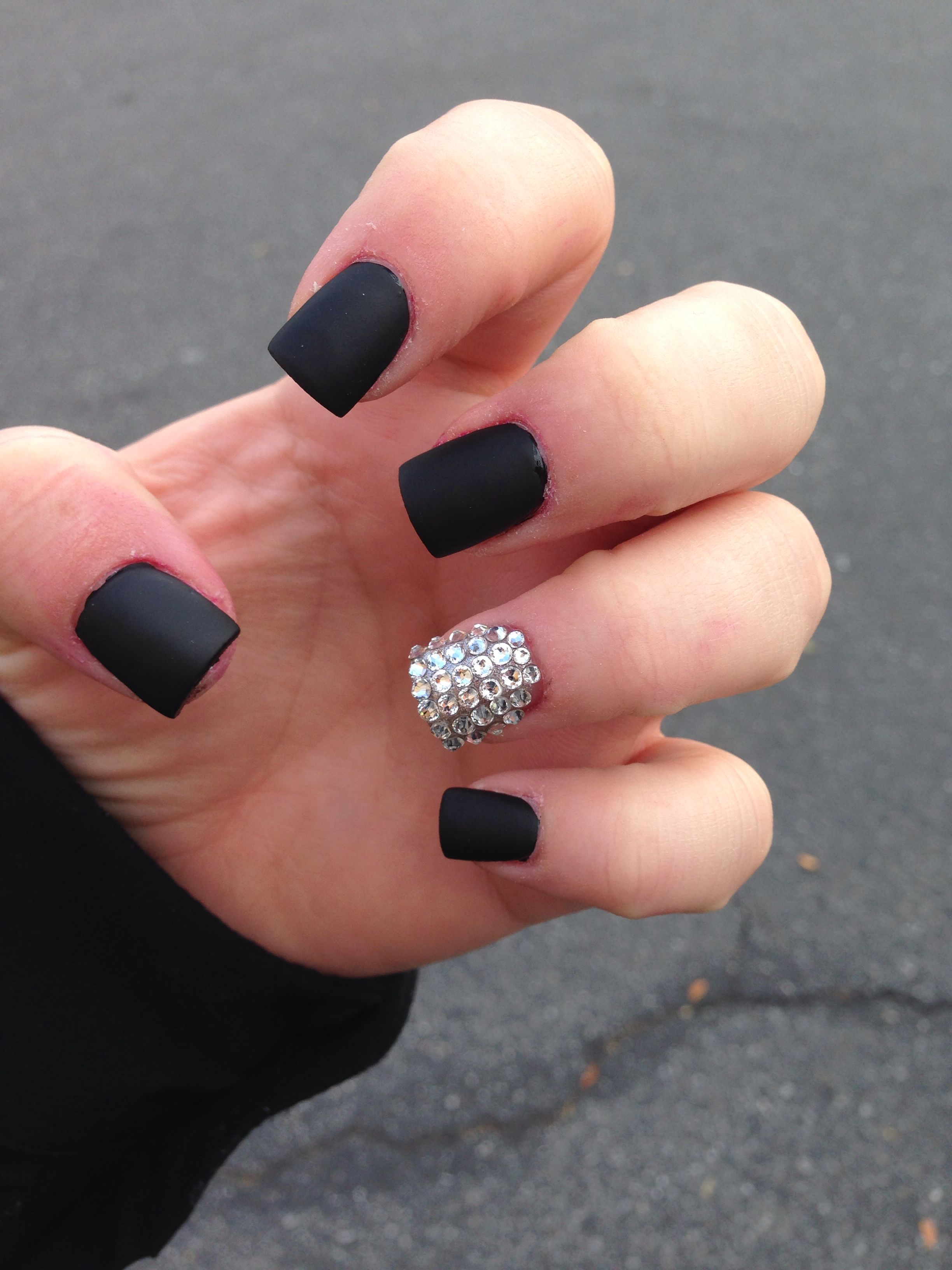 black matte nails with bling ring finger | #like | pinterest