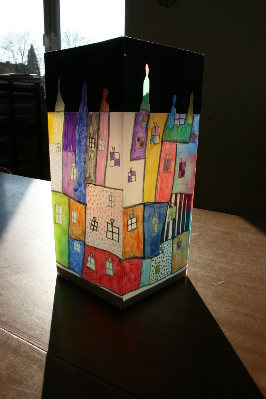 Hundertwasser haus laterne krea laternen basteln for Basteln herbst grundschule