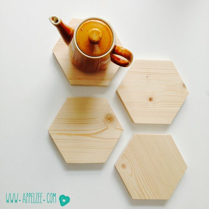 Trivets from recycled wood - www.appelzee.com 6eckige Holzuntersetzer