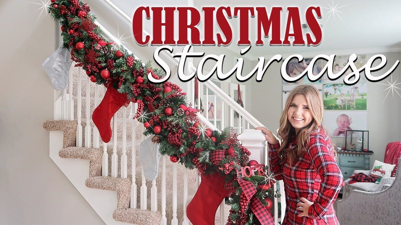 How To Decorate Staircase Garland For Christmas Holiday Decorating Ideas X1f381 Diy Christmas Garland Christmas Garland Staircase Christmas Staircase