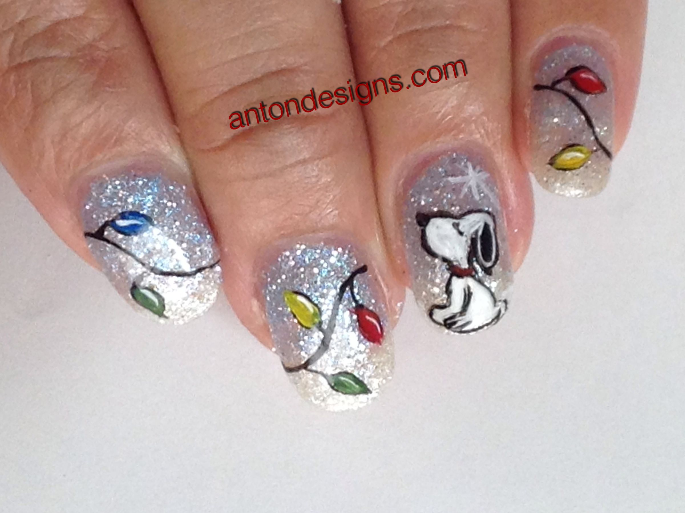 A Snoopy christmas. Love my glitter gels from Alessandro gels! Great ...