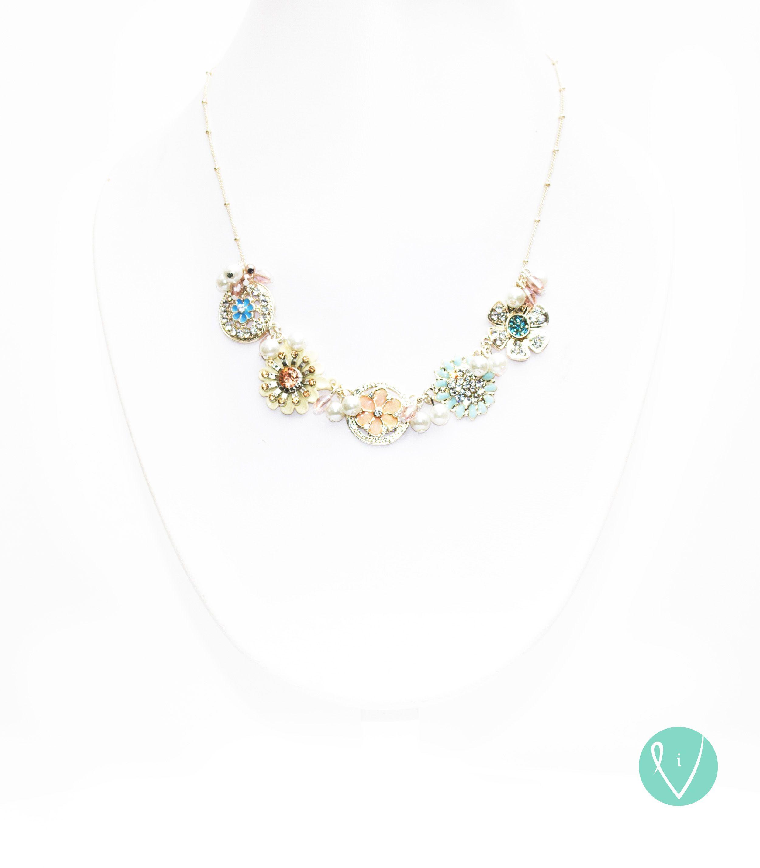 Find our jewelry at www.vidali.com.mx or facebook.com/vidalihandmade ¡WE SHIP WORLDWIDE! English/Spanish