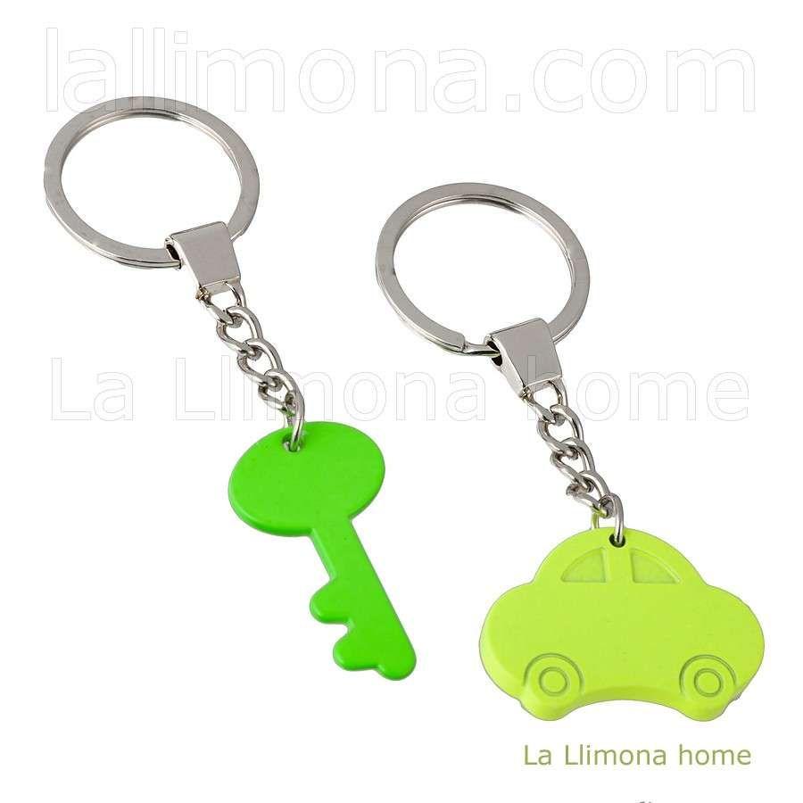 Llavero fosforecente doble con una la llave y un coche.  http://www.lallimona.com/online/llaveros-originales/