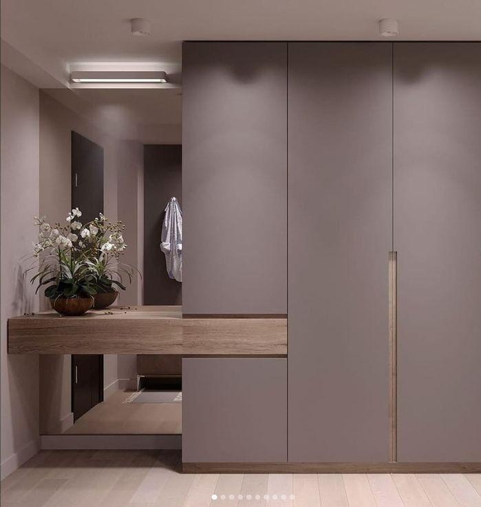 Einbaukleiderschrank mit Schminktisch   Einbaugarderobe mit Spiegel   grauer Einbauschrank mit Holz