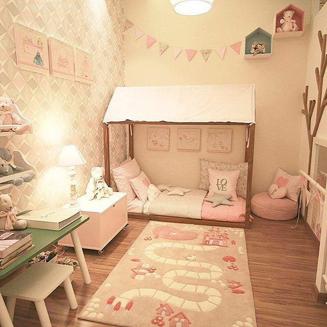 A mini cama montessoriana ideal para quando o beb for Cuarto montessori