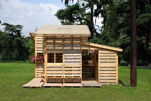 Fabriquer un abri de jardin avec des palettes | Abris de jardin ...