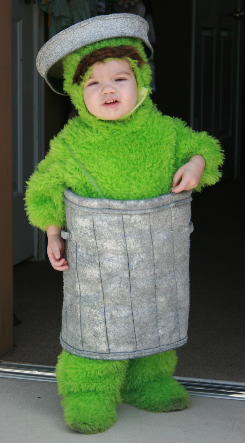 grouch..@Erin Miranda you would totally dress your kid in this! ba ha ha